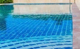 nettoyage fond de piscine